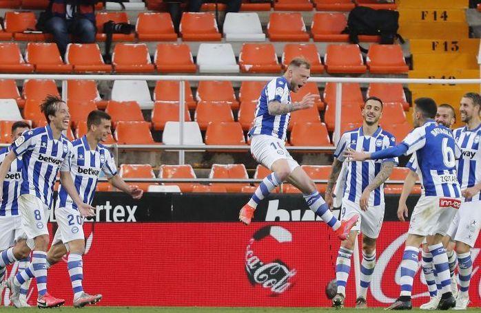 Guidetti celebra su gol en Mestalla