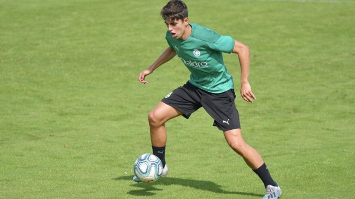Iñigo Sainz-Maza en un entrenamiento con el Racing