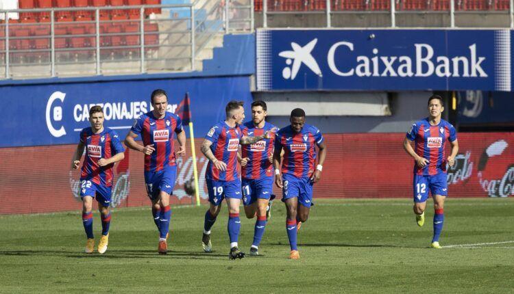 Eibar celebrando un gol