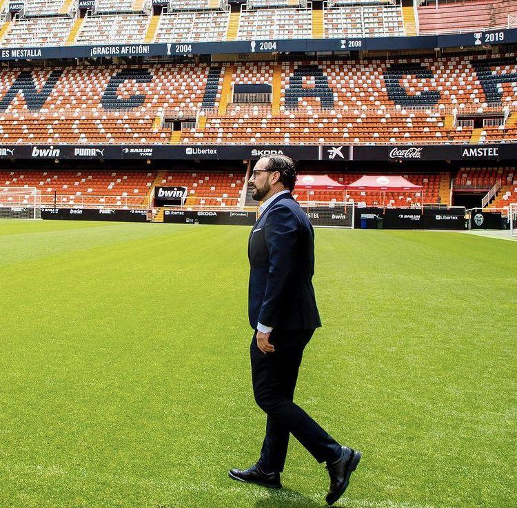 Bordalás pisa por primera vez el estadio de Mestalla: Fuente: Valencia CF