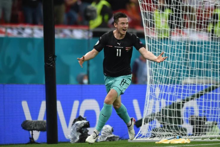 Gregoritsch celebrando el 2-1 en el Austria-Macedonia