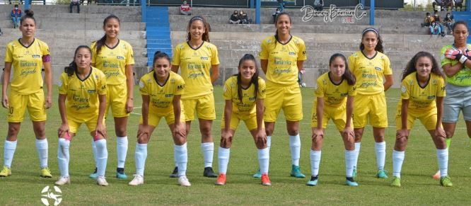 ESPUCE 2-0 Guerreras Albas