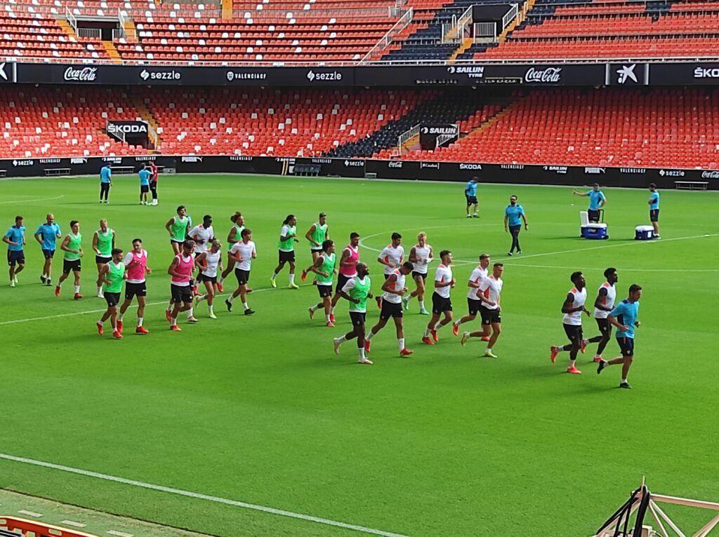 Maxi, Alderete y Gayà se han ejercitado con normalidad con el resto de compañeros| José Antonio Lafuente