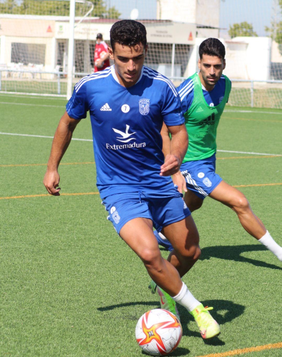 Foto del entrenamiento del Badajoz. Fuente: CD Badajoz