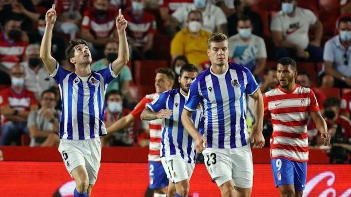 Elustondo celebra un gol con la Real Sociedad